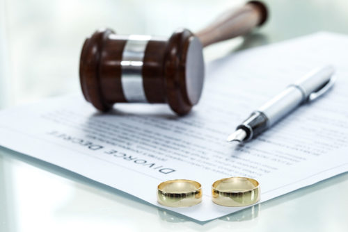 Contested Divorce TN decree form with ring